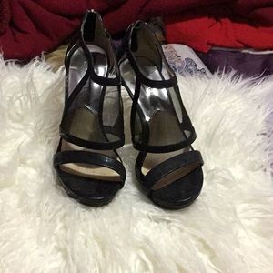 Michael Kors black heels. Very good condition.